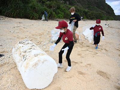 住民200人で沖泊海岸清掃