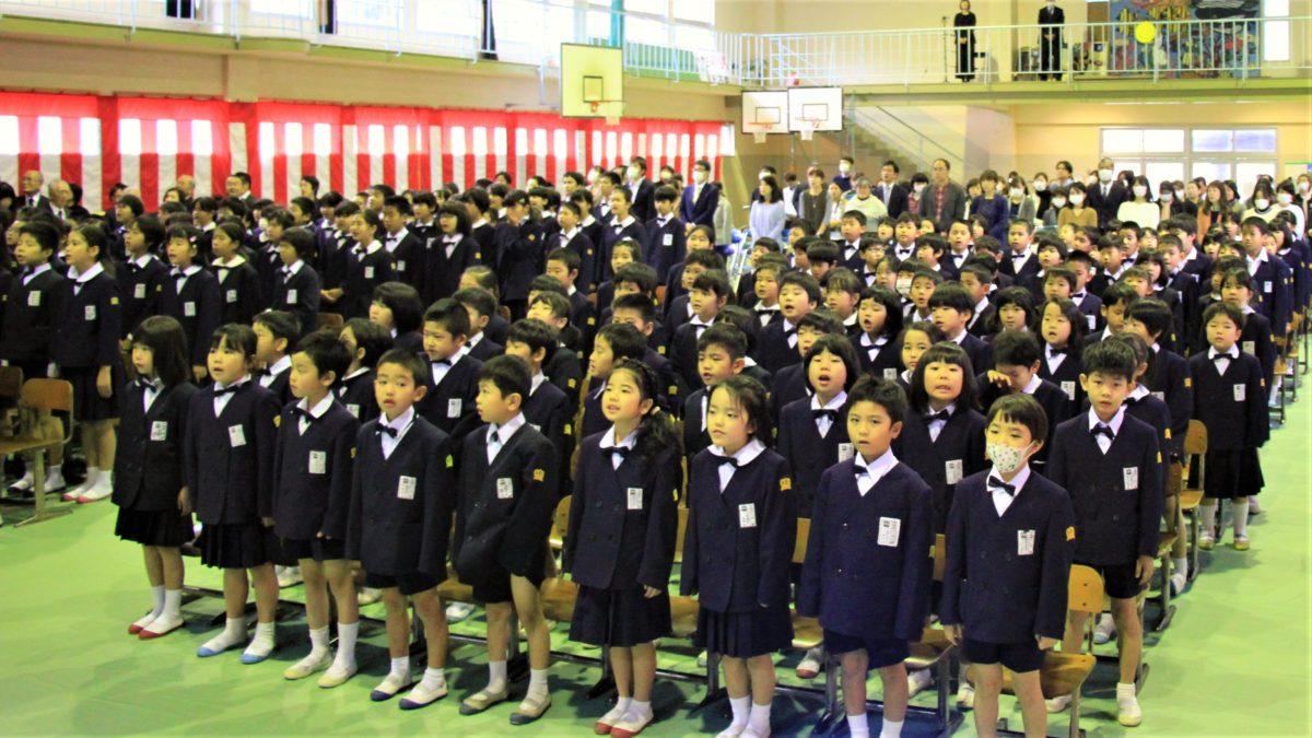 伊津部小創立60周年記念式典