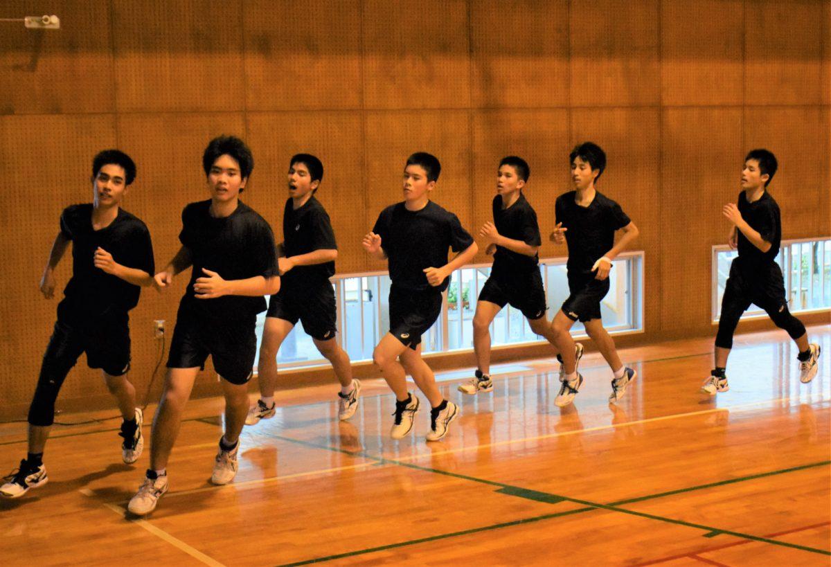 大島北高男子バレーボール部1年部員加入で再始動