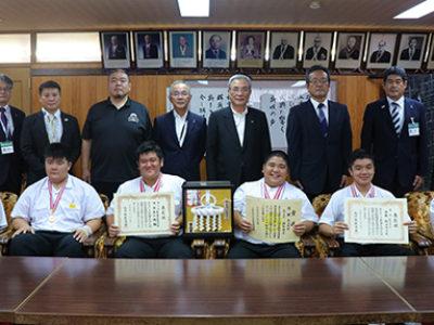 九州中学総体優勝を報告