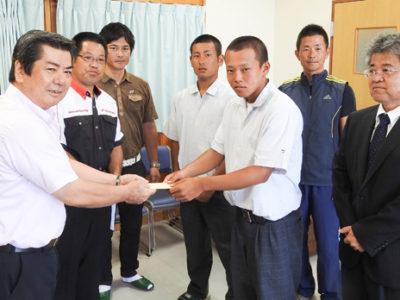 徳高野球部OB 支援金で後輩激励