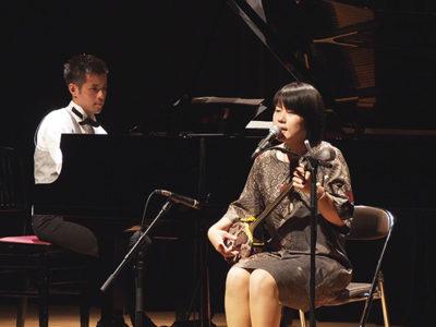 島唄とピアノの競演で魅了