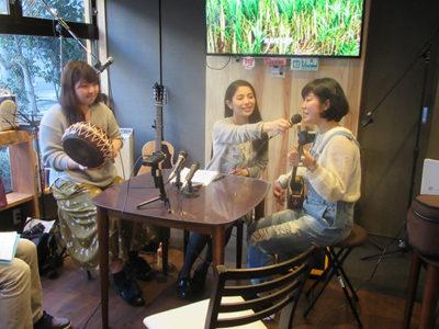 「奄美ふくらしゃ」でラジオ番組収録