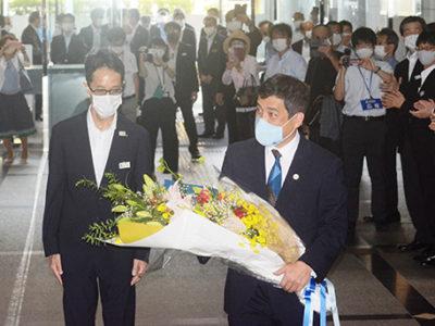 塩田知事が初登庁
