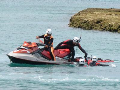 水上バイク使った救助法確認