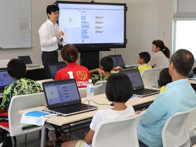 子どもたちにプログラミング教室