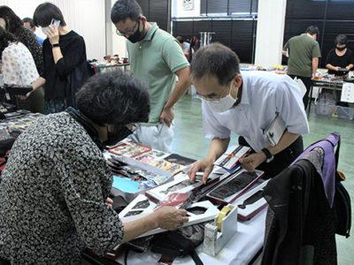 大島支庁で大島紬の研修会・販売会